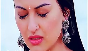 Sonakshi Sina-Boobs Showing R.Rajkumar Movies