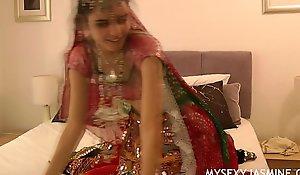Gujarati Indian College Newborn Jasmine Mathur Garba Dance