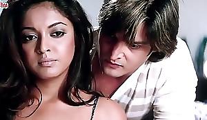 Jimmy Shergill   Tanushree Dutta romantic moment - Hindi Movie Scene - Raqe