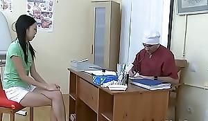 Узбечка у гинеколога пробует вÑxxxе дырки Uzbek at succeed in cheaper than one's gynecologist attempts all holes